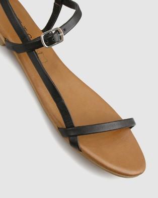 Betts Kora Leather Flats - Casual Shoes (Black)