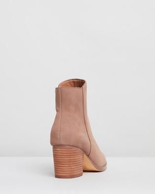 IRIS Footwear Genevieve - Boots (Taupe)