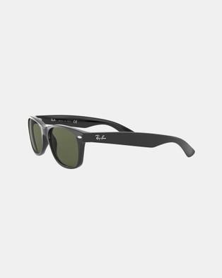 RaBan - New Wayfarer Classic RB2132 - Sunglasses (Solid Colour Green)