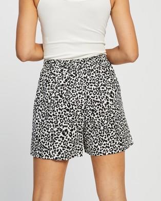 Atmos&Here Sabrina Shorts - Shorts (Animal)