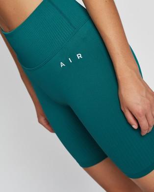 AIR Savanna Shorts - High-Waisted (Forest Green)