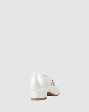 Miss Candy Lana - Flats (White Pearl)