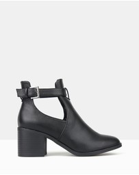 Betts - Divergent Cut-Out Buckle Ankle Boots