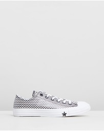 Converse - Chuck Taylor All Star Mission-V Low Top Sneakers