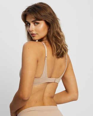 Calvin Klein Perfectly Fit Flex Lightly Lined Demi Bra - Lingerie (Honey Almond)