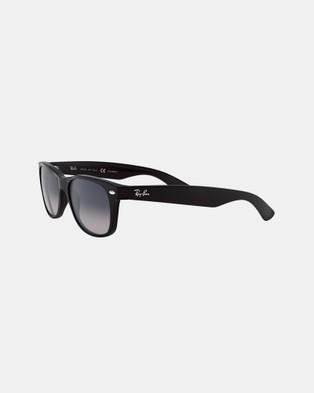 RaBan - New Wayfarer Matte Polarised RB2132 - Sunglasses (Polarised Gradient Blue Grey)