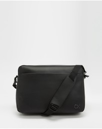 Calvin Klein - Messenger Bag