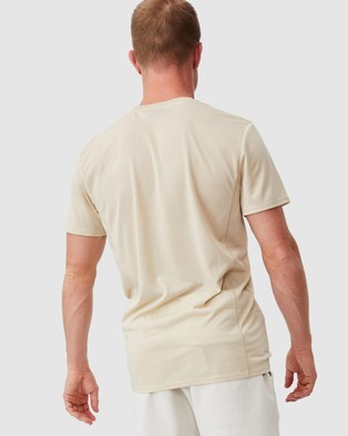 Cotton On - Active Tech T Shirt Short Sleeve T-Shirts (Pale Sand) T-Shirt