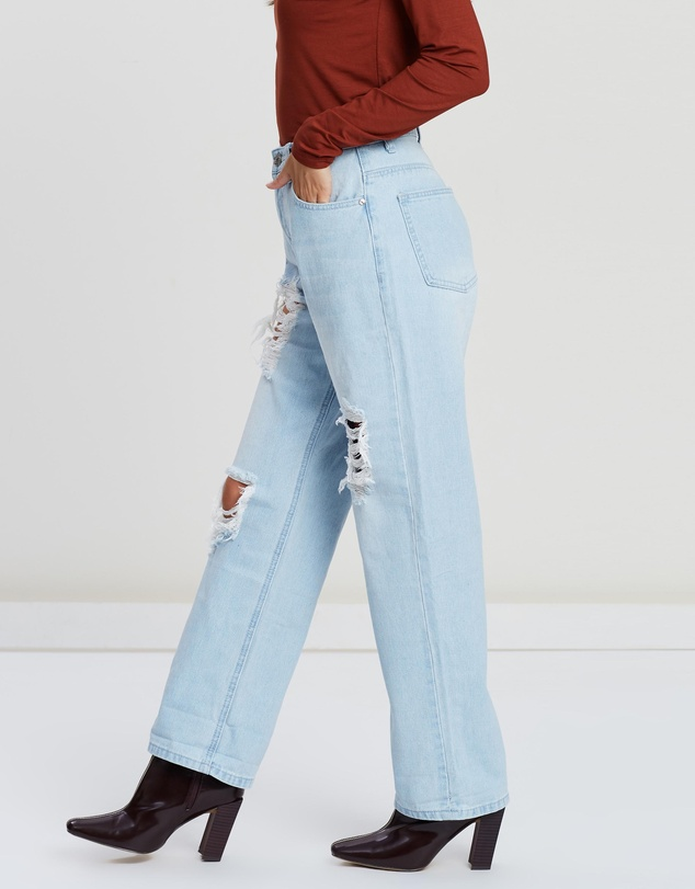 Missguided Petite - High-Rise Distressed Boyfriend Jeans