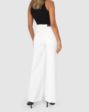 BY.DYLN Mave Jeans - Mom Jeans (White)