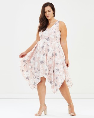 Atmos & Here Curvy – Azalia Midi Dress Dove Love Print