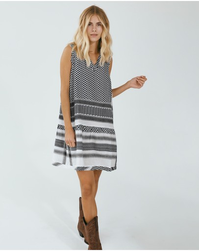 Cecilie Copenhagen - Dress 2, V, No Sleeves