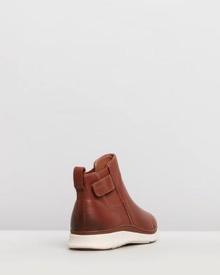 Vionic Kaufman Casual Sneakers - Slip-On Sneakers (Mocha)