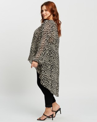 Atmos&Here Curvy Norma High Low Blouse - Tops (Animal)