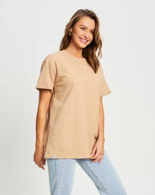Calli - Oversized T Shirt Short Sleeve T-Shirts (Tan White Logo) T-Shirt