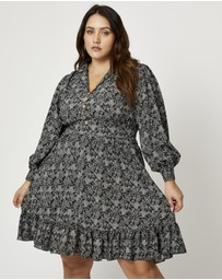 You & All - Plus Paisley Long Sleeve Collar Neck Shift Dress