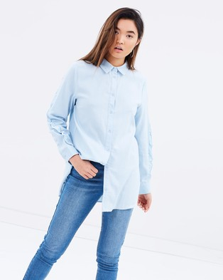 Atmos & Here – Emilia Chambray Ruffle Shirt – Tops (Chambray)