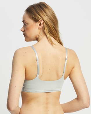 Calvin Klein Invisibles Comfort Light Lined Triangle - Crop Tops (Jet Grey)