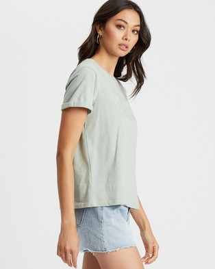 Calli - Gradient Logo Tee Short Sleeve T-Shirts (Sage Green)