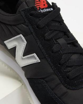 New Balance Classics 720   Unisex - Lifestyle Sneakers (Black & Red)