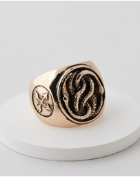 Wild For The Weekend - Snake Signet Ring