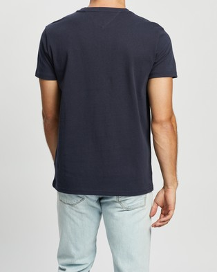 Tommy Jeans Tommy Badge Tee - T-Shirts & Singlets (Twilight Navy)