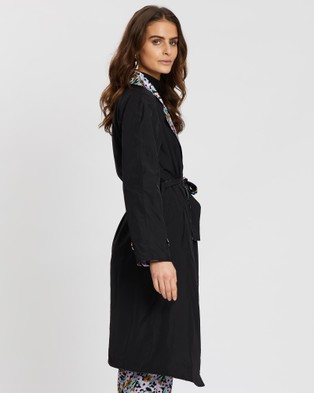 Grace Willow Nadine Reversible Trench Coat - Coats & Jackets (Floral Multi & Black)