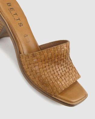 Betts Laurie Leather Mule - Sandals (Cognac)