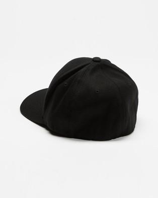 Santa Cruz Strip Flex Fit - Headwear (Black)