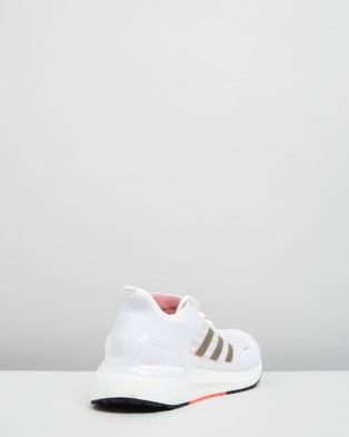 adidas Performance - Ultraboost SUMMER.RDY   Men's Running Shoes - Performance Shoes (Footwear White, Core Black & Solar Red) Ultraboost SUMMER.RDY - Men's Running Shoes