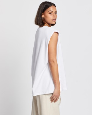 AERE - Padded Shoulder Muscle Tee - T-Shirts & Singlets (White) Padded Shoulder Muscle Tee