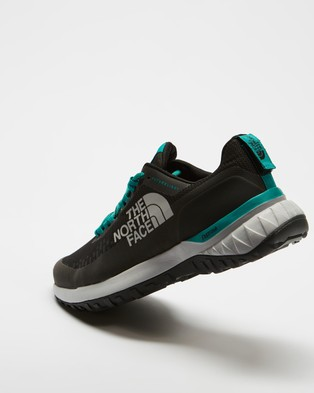 The North Face Ultra Traction Futurelight    Women's - Lifestyle Sneakers (Black & Jaden Green)