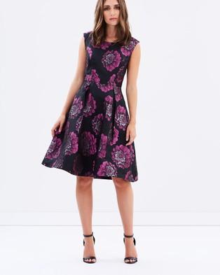Review – Black Magic Dress – Dresses (Black & Magenta)