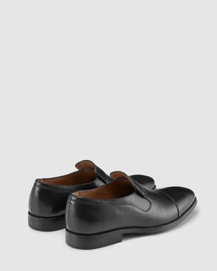 AQ by Aquila - Bishop Loafers Dress Shoes (Black)
