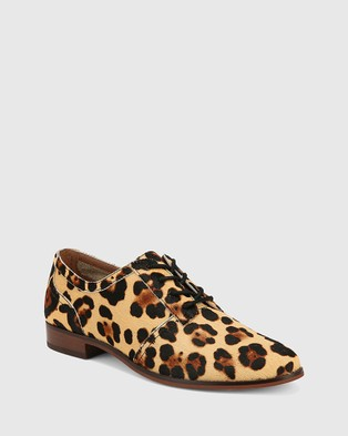 Wittner Heathrow Leopard Print Leather Lace Up Brogues Flats Prints