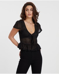 ICONIC EXCLUSIVE - Cindy Crochet Tie Front Top