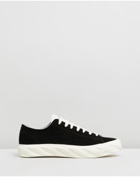 AGE - Suede Sneakers