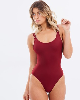 SOLID & STRIPED – The Stella One Piece – One-Piece Swimsuit Rust