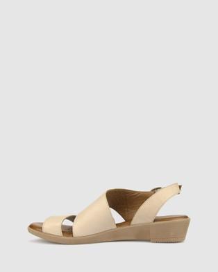 Airflex Bingle Leather Wedge Sandals - Sandals (Nude)