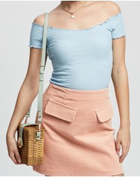 TOPSHOP Petite - Off Shoulder Lettuce Top