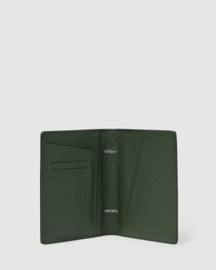 Kinnon Earle Passport Holder - Travel and Luggage (Olive Green)