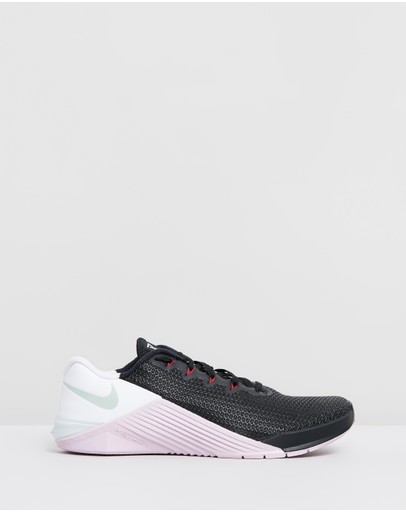 Nike - Metcon 5 Training Shoes - Women's