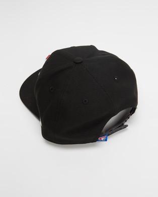 New Era 950 Original Fit Newcastle Knights Cap Headwear Black