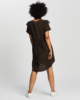 Cotton On Maternity Maternity Cross Front Short Sleeve Babydoll Dress - Dresses (Anna Tile Black)
