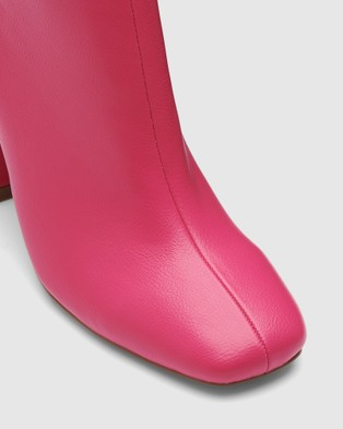 Therapy Thunder - Boots (Pink)