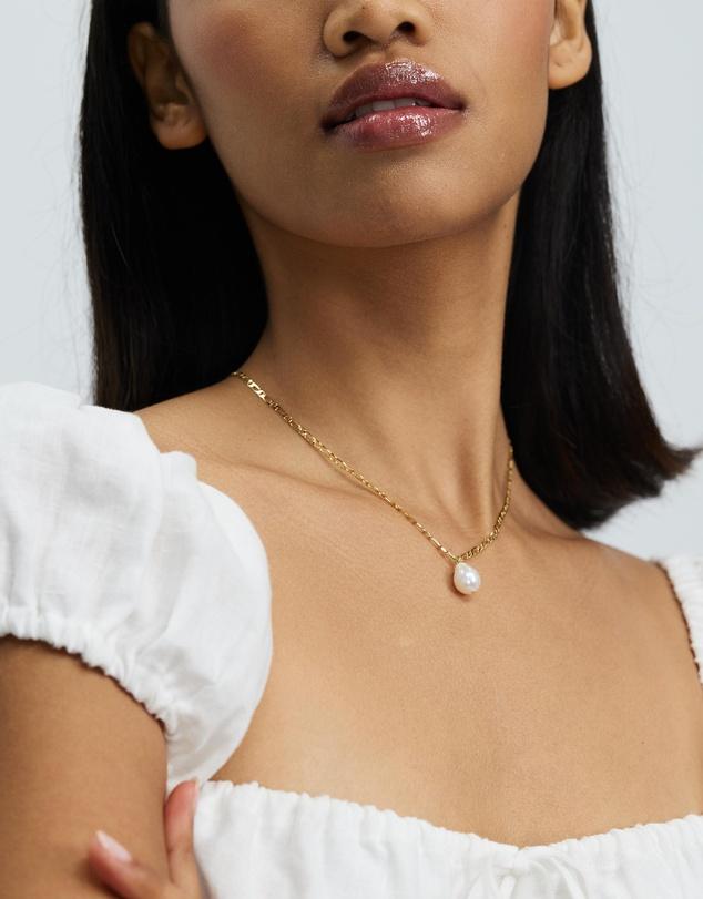 Women Pearl Drop Figaro Chain Necklace