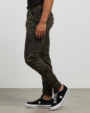 Nena & Pasadena Destroyer Pants - Pants (Overdyed Camo)