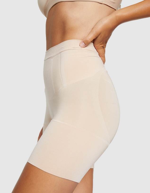 Women OnCore Mid-Thigh Shorts