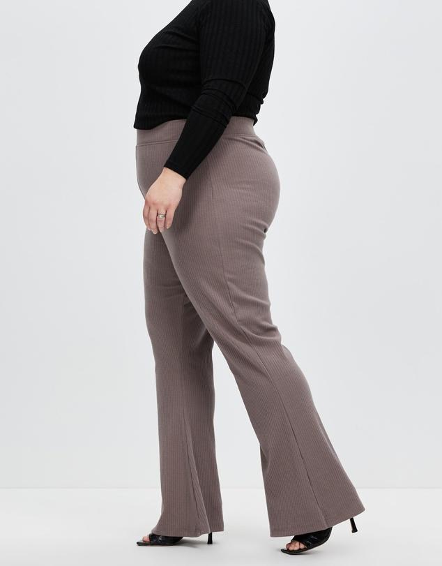 Women Plus Rib Flare Trousers