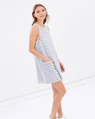 Elka Collective – Neve Dress – Dresses (Grey & White)